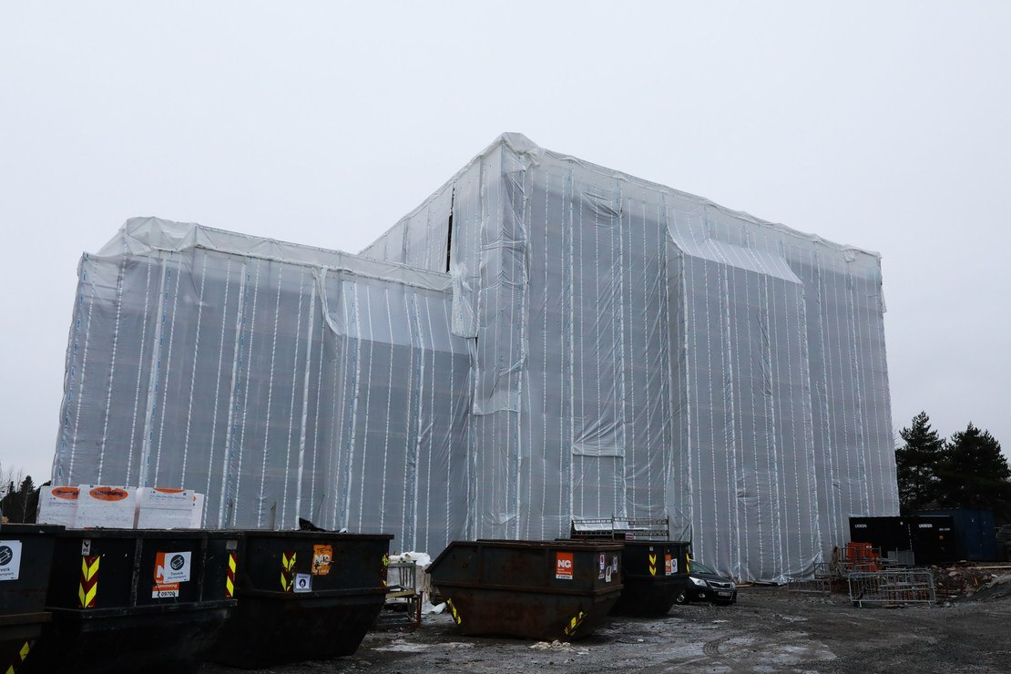Slik så Steinerud Omsorg+ ut da bygget var dekket til deler av vinteren